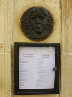21 Oscar Wilde