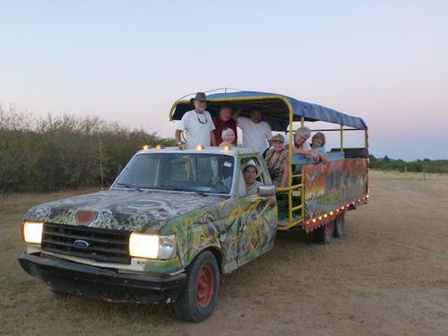 32 Tour bus